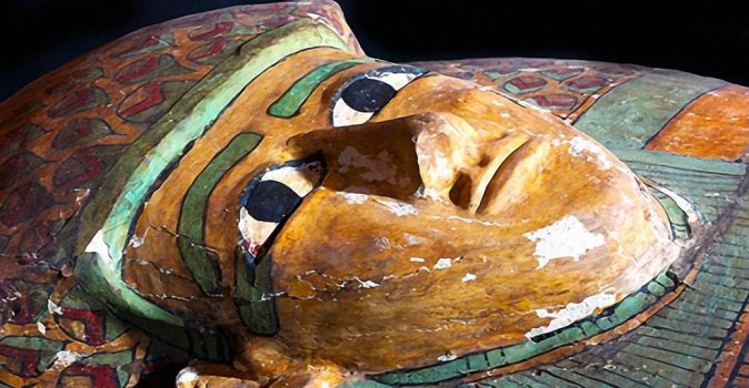 3600-year-old-mummy-preserved-wooden-tomb-unearthed-ancient-egypt